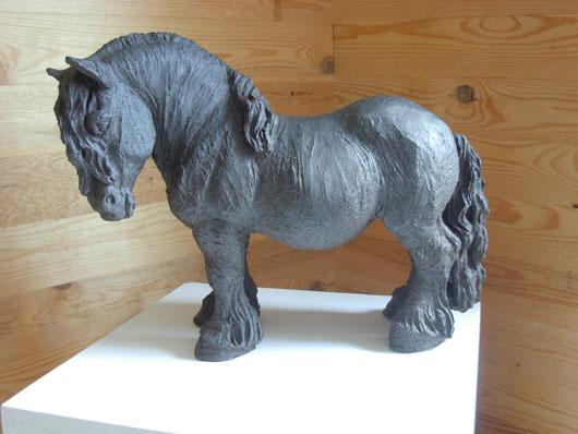 Ardenner - Skulptur i svartbrännande lera av Bojan Krogh
